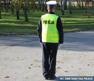 7.Policjant stojący przodem lub tyłem do kierowcy – odpowiednik sygnału czerwonego